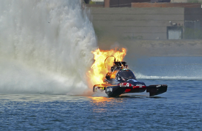 Boat on Fire spray